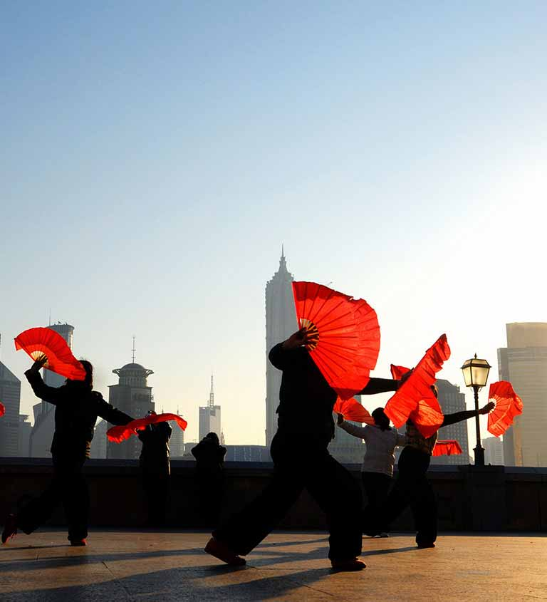 generic stock image 52465007 Traditional Chinese dance with fans topbig Mobile