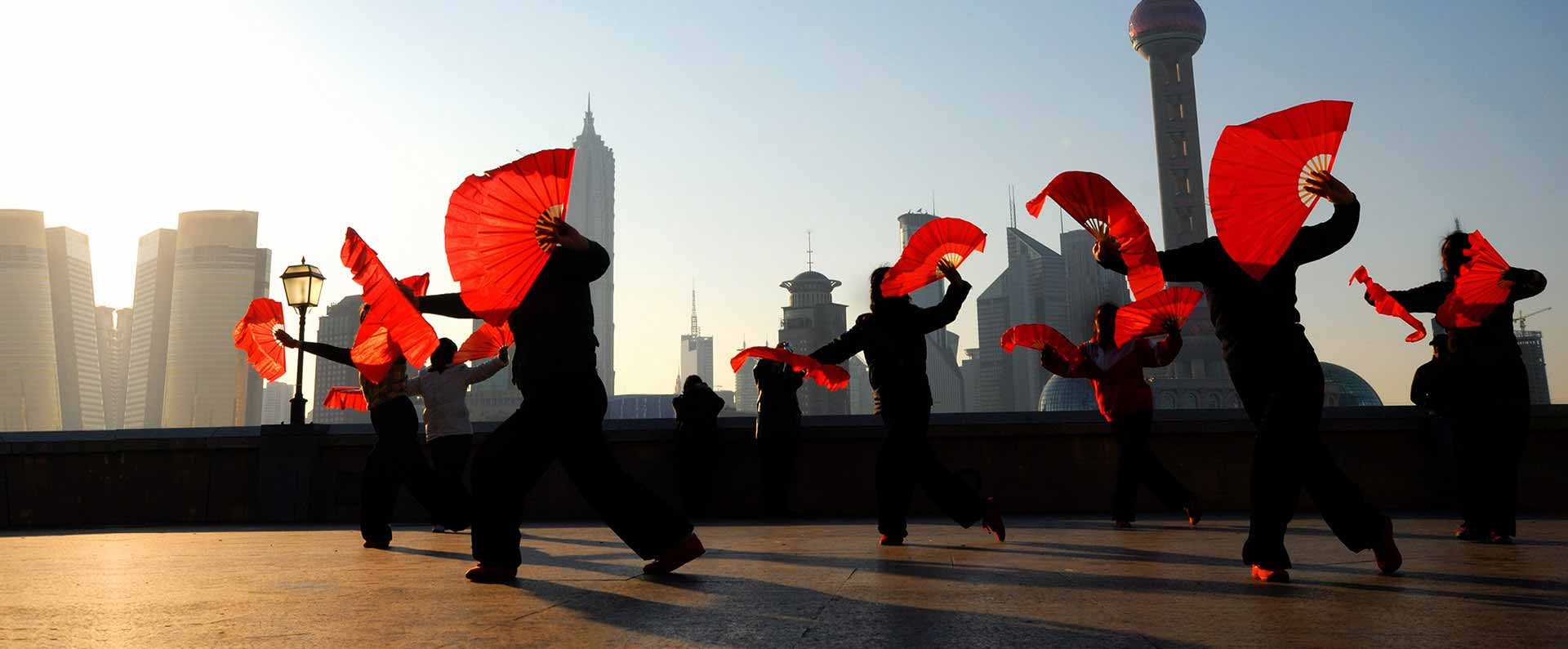 generic stock image 52465007 Traditional Chinese dance with fans topbig
